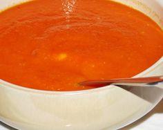 Sopa de Pão com Tomate.-  Experimente esta , muito saborosa e diferente.