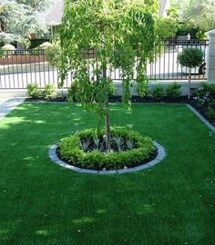 Landscaping around trees front yard noahhomedecor co the best pro landscaping planting ideas secrets for color simple front yard landscaping ideas on a diy Front Yard Garden Design, Front Garden Landscape, Small Garden Design, Landscape Design, Front Design, Garden Fencing, Landscape Steps, Garden Paths, Small Front Yards