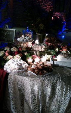 Christmas Wedding Decorations, Bouquet, Weddings, Table Decorations, Design, Home Decor, Decoration Home, Wedding Christmas Ornaments, Room Decor