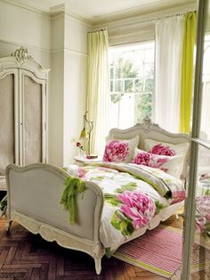 A Shabby chic bedroom decor brings a romantic and nostalgic touch of the past days and eras. You do not need to spend a fortune to create a shabby chic Shabby Chic Bedrooms, Shabby Chic Homes, Shabby Chic Decor, Romantic Bedrooms, Pink Bedrooms, Bed Sets, Home Bedroom, Bedroom Decor, Bedroom Ideas