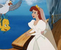 Este estilo de los ochentas hace de éste, un vestido de bodas completamente lamentable | Una clasificación definitiva de 72 indumentarias de las princesas de Disney