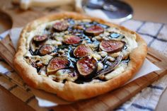 Fresh Fig Pizza with Gorgonzola and Ricotta