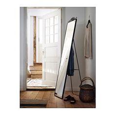 IKEA - KARMSUND, Golvspegel, , Trött på morgonen? Då kan du spara tid genom att hänga upp morgondagens kläder på baksidan av spegeln.Vill du spara tvättar och undvika klädhögar kan du hänga använda kläder på baksidan av spegeln.Bestäm stilen på spegeln genom att välja om du vill ha kronan på toppen eller inte.Du kan ställa spegeln på golvet eller hänga den på väggen.Passar i de flesta rum, och är testad och godkänd för badrum.Försedd med säkerhetsfilm - minskar risken för skador om glaset…