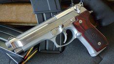 The prettiest pistol (pics) Handguns Gallery Beretta 92, Weapon Storage, Battle Rifle, Fire Powers, Gun Holster, Military Gear, Guns And Ammo, Firearms, Hand Guns