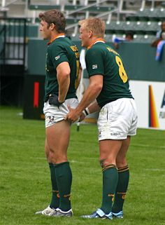 oh Rugby men. this looks like a jumper and a back lifter with the rest of the lineout cut off but who knows. Athletic Supporter, Athletic Men, Lgbt, Hot Rugby Players, Rugby Shorts, Rugby Men, Beefy Men, Rugby League, Rugby Sport