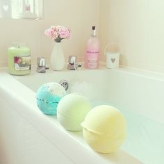 bath bombs. ♡