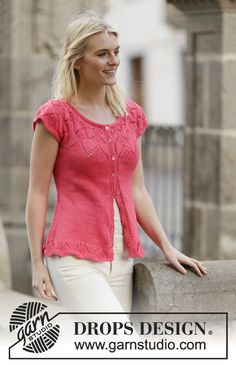 """Call It Spring Cardigan - Knitted DROPS jacket in stockinette st with lace pattern and round yoke in """"Muskat"""". - Free pattern by DROPS Design Summer Knitting, Lace Knitting, Knitting Patterns Free, Knit Patterns, Free Pattern, Top Pattern, Drops Design, Cardigan Pattern, Jacket Pattern"""