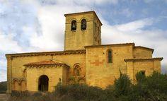 """La IGLESIA de San Esteban de Moradillo de Sedano se encuentra en la cima del monte """"El Castro""""; de la iglesia parte un camino que permite ascender hasta las inmediaciones del dolmen de Las Arnillas, perteneciente al llamado conjunto dolménico de Las Loras, sepulcro de corredor levantado en el Neolítico. Moradillo de Sedano, es una localidad situada en la provincia de Burgos, comunidad autónoma de Castilla y León (España), comarca de Páramos, en el ayuntamiento de Valle de Sedano.  Situado 6…"""