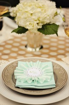 pretty table setting themarriedapp.com hearted ❤