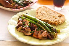 Ajillo Asparagus with Mushrooms