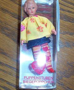 Puppenstubenpuppe, Miniatur 1:12, Caco (Canzler), Mädel geringelte Strümpfe in Spielzeug, Puppenstuben & -häuser, Puppen | eBay