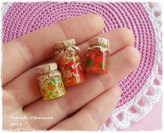 Un conjunto de tarros en miniatura de la conservación No. 1