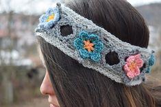 Ravelry: Fallen star headband pattern by Crochet Jewelry Patterns, Crochet Headband Pattern, Love Crochet, Crochet Hats, Crochet Headbands, Fall Craft Fairs, Love Is Free, Ear Warmers, Different Patterns