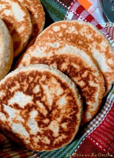 Gorditas de Azucar (Sweet Griddle Cakes) - The Pineapple in the Kitchen - - Mexican Pastries, Mexican Sweet Breads, Mexican Bread, Mexican Dishes, Mexican Bakery, Gorditas Recipe Mexican, Mexican Dessert Recipes, Dessert Ideas, Drink Recipes