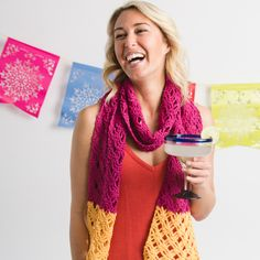 Remember the Lime Breeze Scarf from the June 2016 issue? Then you'll love this revamp in pretty pink and orange. Scarf Patterns, Crochet Patterns, Cotton Fleece, Learn To Crochet, Yarn Needle, Crochet Scarves, Mondays, Margarita, Color Change