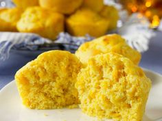 Did you know Silk® has a ton of recipes, like this Muffins au maïs? Quick Biscuit Recipe, Quick Biscuits, Bread And Pastries, Allergy Free Recipes, Milk Recipes, Vegan Sweets, Healthy Desserts, No Carb Bread, Desserts Sains
