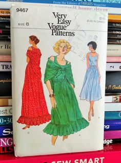 1970s Very Easy Vogue 9467-Misses' Pullover by PaperWardrobesEtc