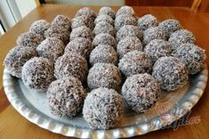 Christmas Baking, Ethnic Recipes, Food, Milky Bar Chocolate, Easy Coconut Macaroons, Top Recipes, Punch, Food Food, Backen