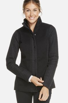 Sometimes we want the comfort of a black sweater, but the coverage of a puffer coat. Get into our hybrid topper to keep cover this season. It's even equipped with pockets, so your hands have a home too. | Pine Jacket - Fabletics