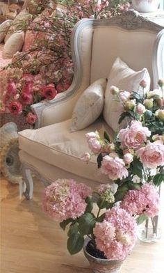 Lady-Gray-Dreams!  To sit here with a book and a warm coffee or tea....  It's heavenly....