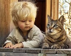 Children and Pets, Cuteness Overload! Animals For Kids, Animals And Pets, Funny Animals, Cute Animals, Cute Kids, Cute Babies, Image Chat, Amor Animal, Photo Chat