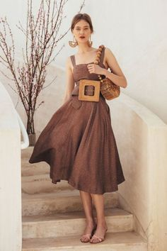 Our Latest Vegan Bag Obsession: Cult Gaia - Eluxe Magazine - Ethical Fashion Mode Chic, Mode Style, Summer Chic, Spring Summer Fashion, Style Summer, Winter Fashion, Look Fashion, Womens Fashion, Fashion Tips