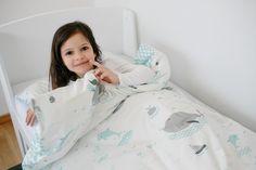 Kinder-Bettwäsche mit Walen und Delfinen / bed linen for babys and children, save the whales by millemarille via DaWanda.com