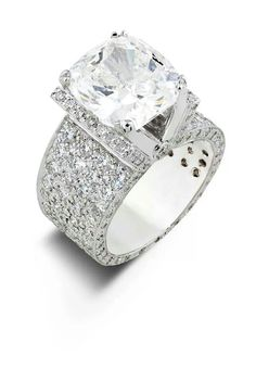 This is my ideal ring. Seriously. I don't want anything besides this one.