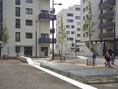 Seestadt Aspern by DnD Landschaftsplanung ZT KG www. Landscape Plans, Landscape Architecture, Contemporary Landscape, Vienna, Garden Landscaping, Multi Story Building, Around The Worlds, Home And Garden, Street View