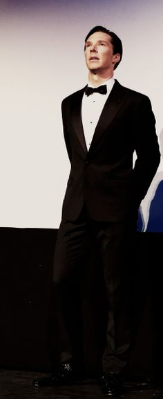 Benedict Cumberbatch with suit <3 | hahah he looks like a football player