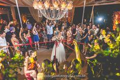 Festa :) #collegarefotografia#fotografiadecasamento#party#friday#sextafeirasualinda#fotografodecasamento#weddingideas#weddingplanning#festadecasamento#bride#weddingphotography #weddingday#casamento #party #wedding #marriage #weddingphotographer#instawedding #married #noiva#fotosdecasamento#weddingphotography#casamento#wedding