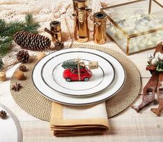 Adorning your holiday place setting with a tiny trinket for your guests to take home is an adorable + thoughtful touch.