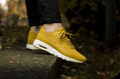 "Nike WMNS Air Max 1 Ultra Moire ""Dark Citron"" 