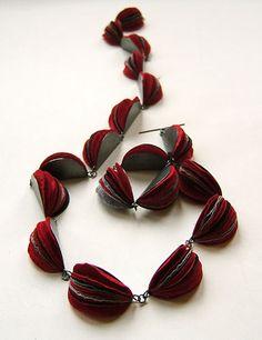 Naoko Yoshizawa - Intricate handling and combination of paper and precious materials.