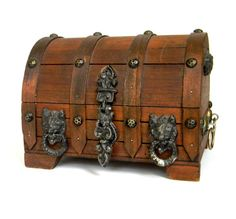 Treasure Chest Pirates Booty Vintage by Mylittlethriftstore Old Trunks, Vintage Trunks, Trunks And Chests, Antique Trunks, Wooden Trunks, Vintage Box, Painted Trunk, Pirate Treasure Chest, Wooden Chest