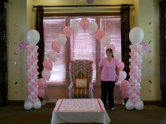 baby shower balloon décor by Celebrate the Day