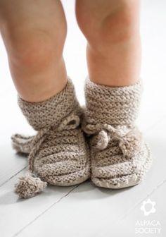 alpaca_society_knit_baby_boots
