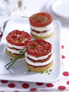 Das Rezept für Tomaten-Käse-Türmchen und weitere kostenlose Rezepte auf…