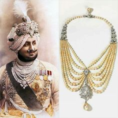 This stunning 'Swag' necklace centers on a magnificent pear-shaped Golconda diamond on six rows of lustrous, perfectly matched natural pearls. Maharaja Bhupinder Singh of Patiala, Delhi, c. Antic Jewellery, India Jewelry, Royal Jewels, Crown Jewels, Modern Jewelry, Vintage Jewelry, Antique Jewelry, Travel Jewelry, Colored Diamonds