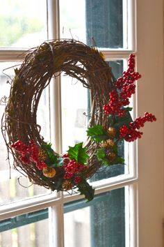 easy embellished grapevine wreath www.everafterblueprint.com