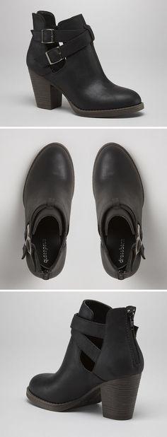 Adorable, versatile, Super Cute Black Heeled Booties for Fall! #booties #boots #black Más