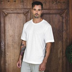 Oversized fit tee with extended sleeves and large hems. Made with white cotton slub which is soft on the skin. Perfect way to stand out. Xl Models, Oversized Tee, White Cotton, Label, Tees, Fit, Sleeves, Mens Tops, How To Wear