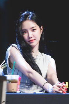 Son Na Eun - Hongdae Fan sign event