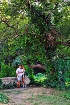 Фотосессия молодой пары у большого дела