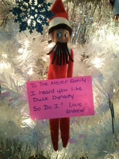 @David Nilsson Nilsson Nilsson Almaytah Glass Elf on the Shelf ideas - Duck Dynasty, playing with the birds, setting up a stand like Lucy from the Peanuts - this is a great Christmas site over all.