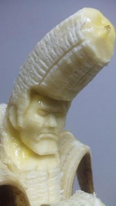 Banana sculpture by Japanese artist y_yamaden.