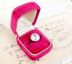 antique velvet ring box Vintage Ring Box, Vintage Jewelry, Velvet Ring Box, Wedding Ring Box, Jewelry Box, Coin Purse, Wedding Inspiration, Weddings, Antique