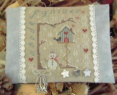 "free winter snowman cross stitch -- click ""ici"" on the page for the pattern #freecrossstitch"