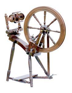 The Prelude Spinning Wheel - Walnut £275.00