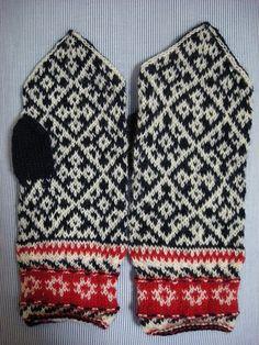 Ravelry: isorakazu's Folklore mittens